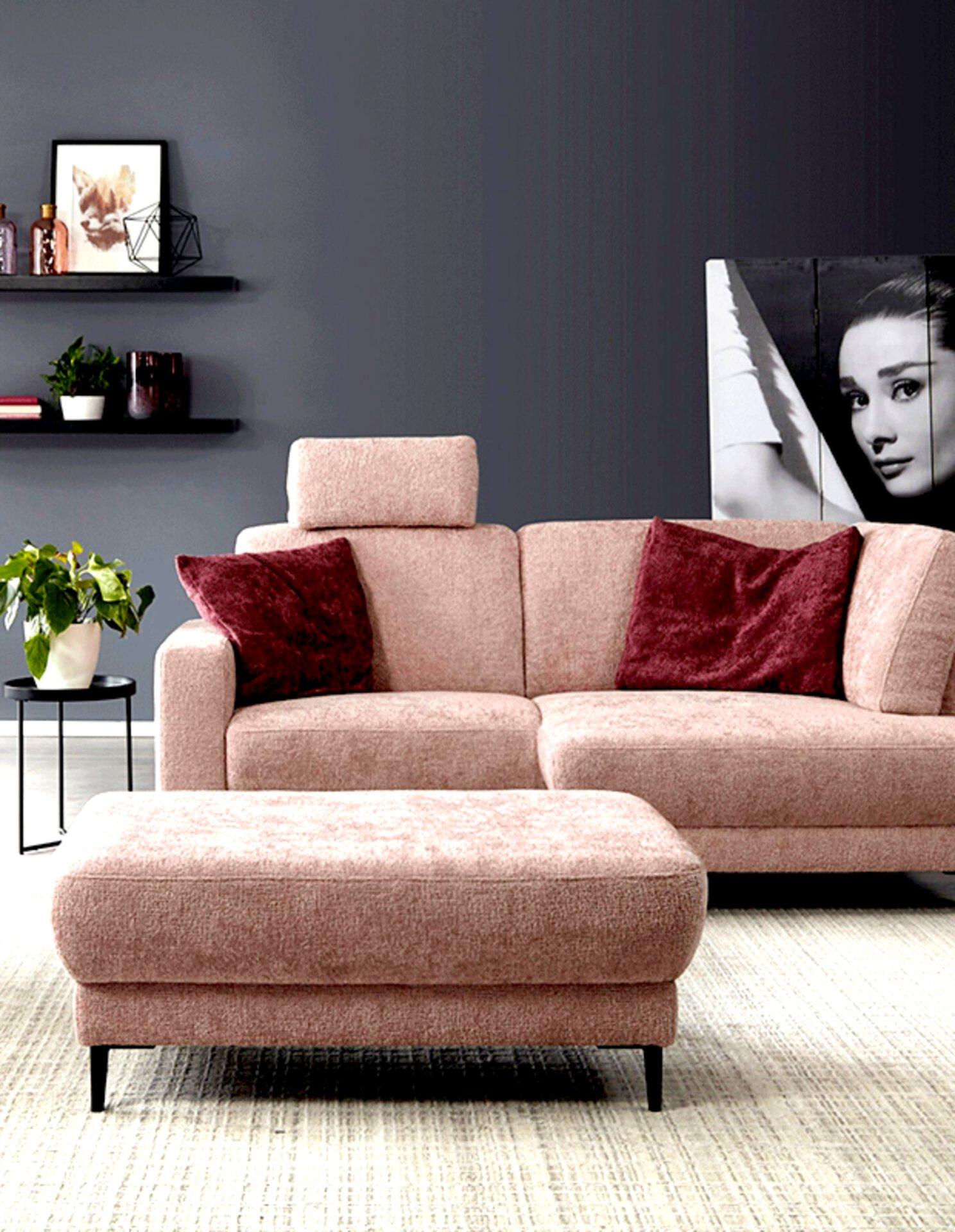 Sofa in pastelligem Rosa
