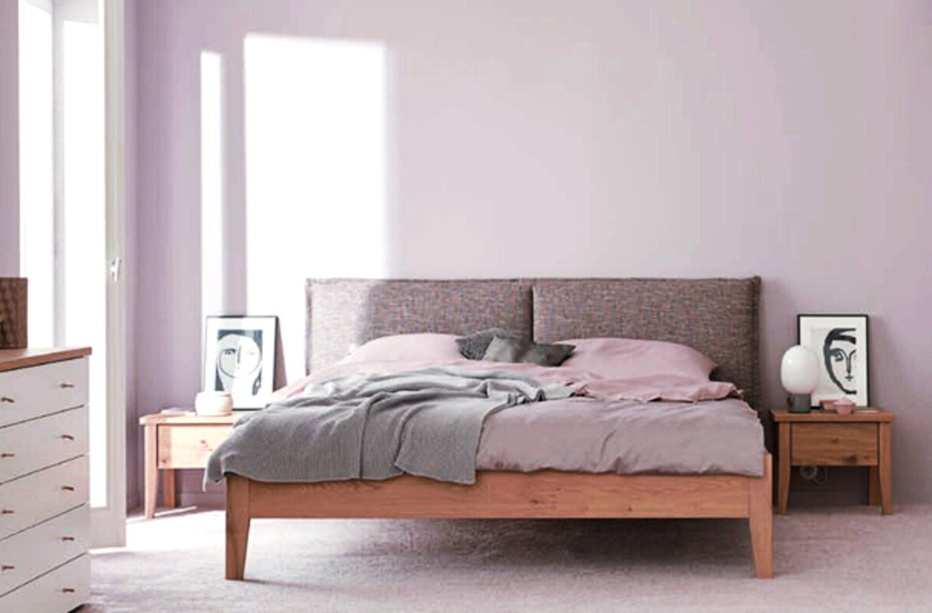 Schlafzimmer in Altrosa