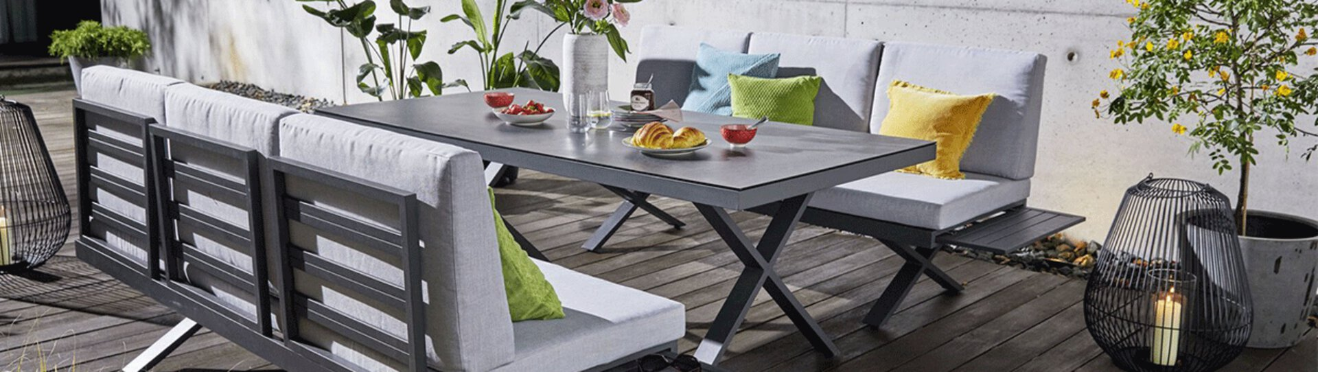 Der trendige und zugleich zeitlose Gartentisch von Möbel Inhofer ist ein wahrer Hingucker in jedem Garten und auf jeder Terrasse. Verbringen Sie lange und lustige Abende mit Ihren Freunden an diesem stylischen TIsch