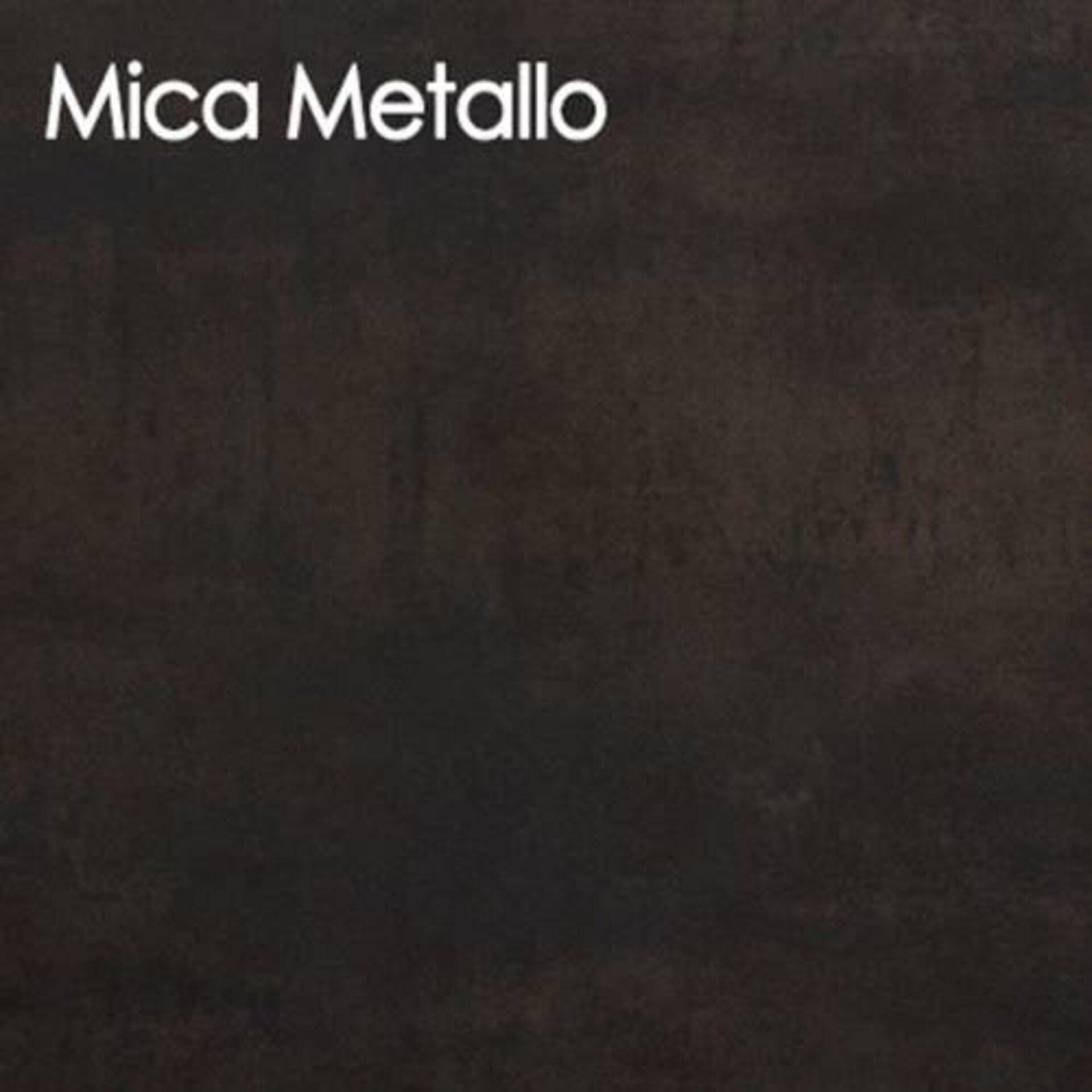 Arbeitsplatte aus Keramik in der Edelrostoptik Mica Metallo.