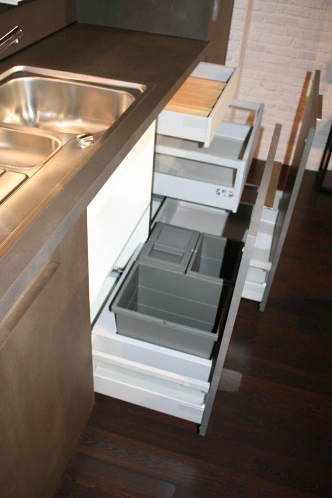 Einbauküche Tarsus TAR / Biega BIE  Interline