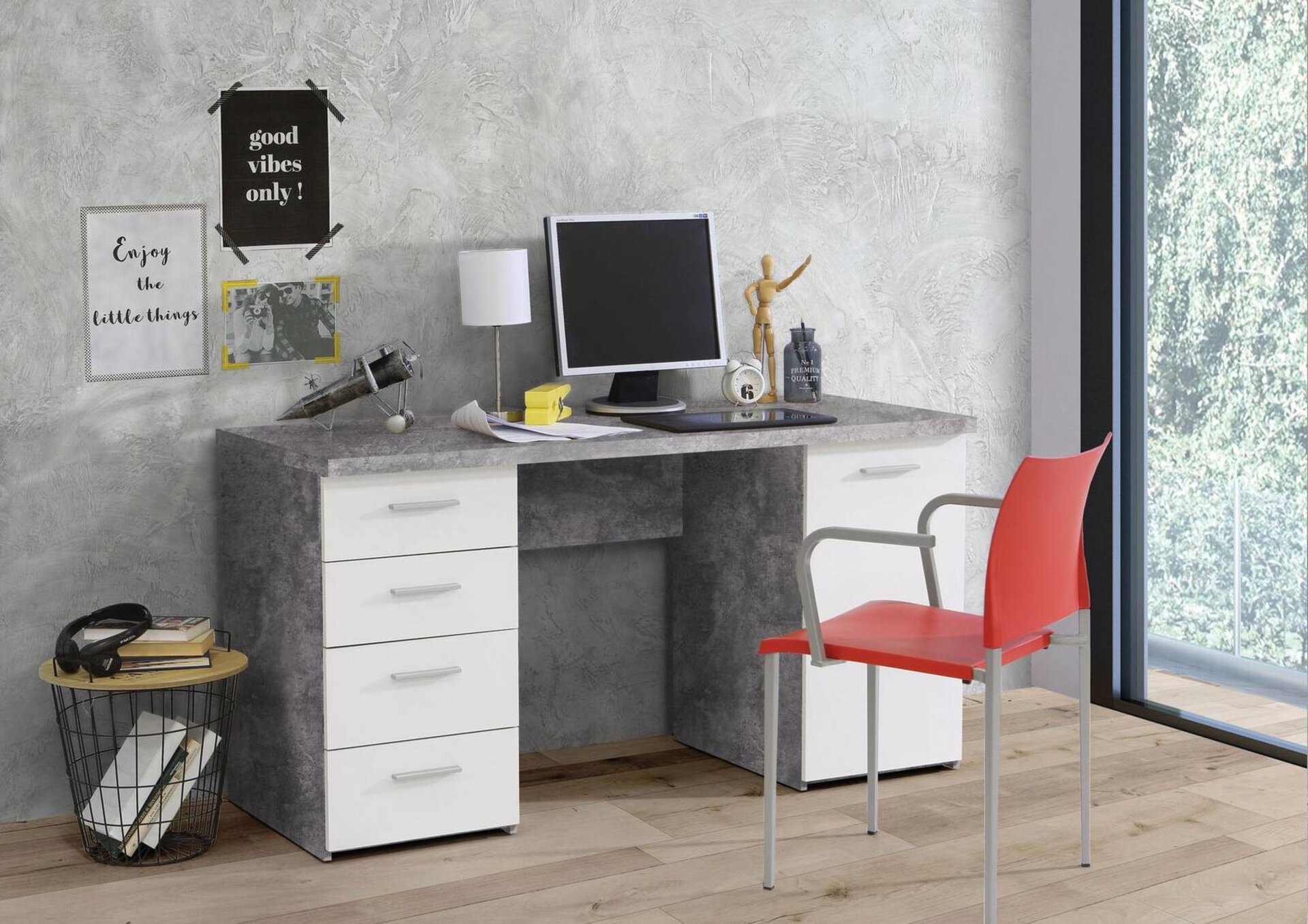Dieser cleaner Schreibtisch passt zu jedem anderen Micro Living Stil kombinieren.