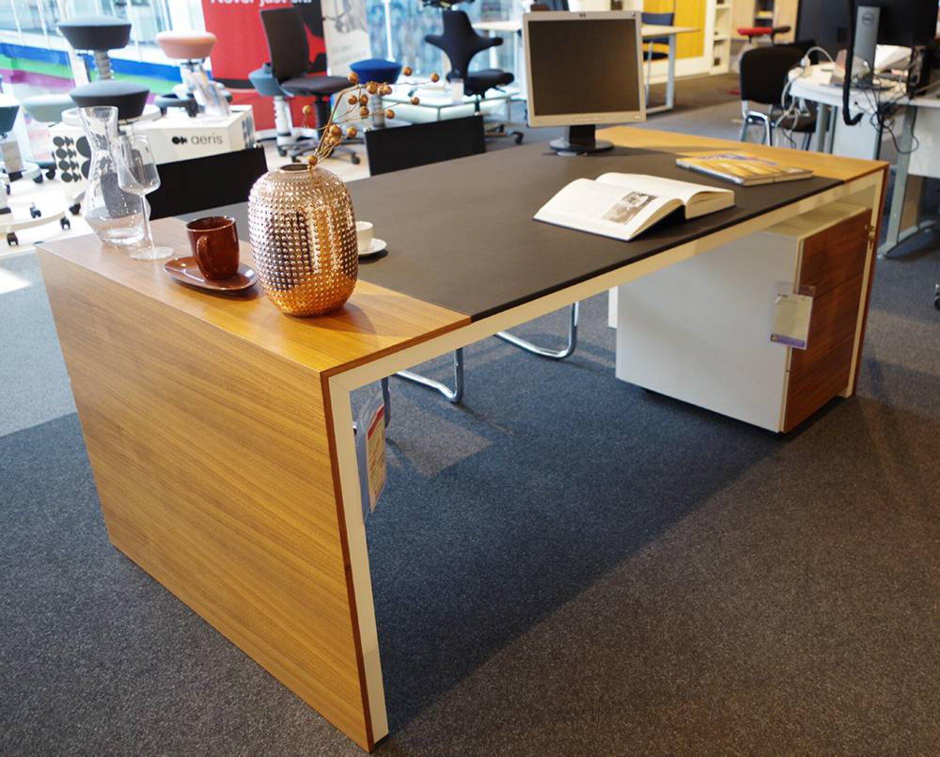 Schreibtisch ACUROS