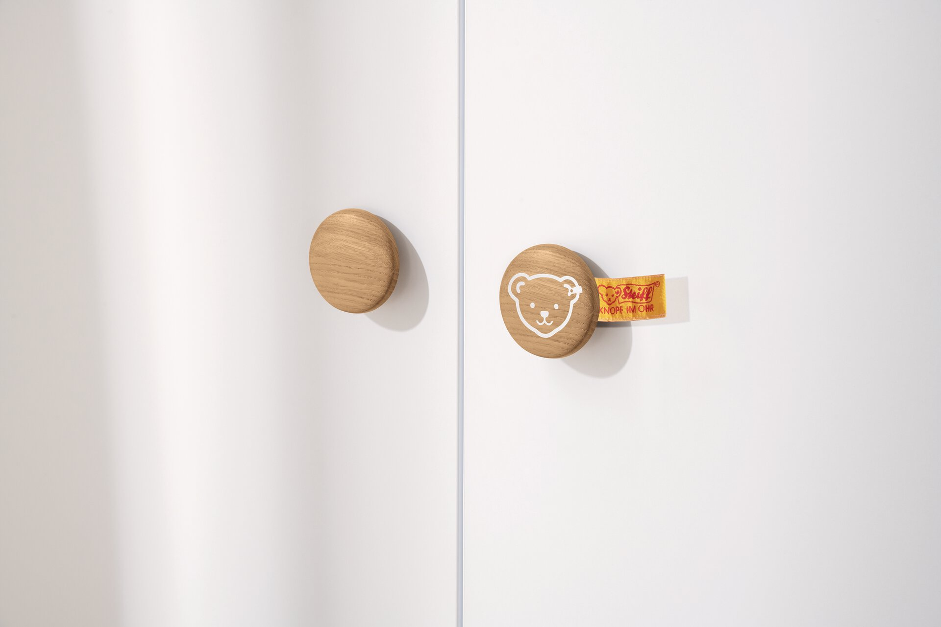 Kinderschrank LOTTE & FYNN PAIDI Holzwerkstoff braun 57 x 202 x 119 cm