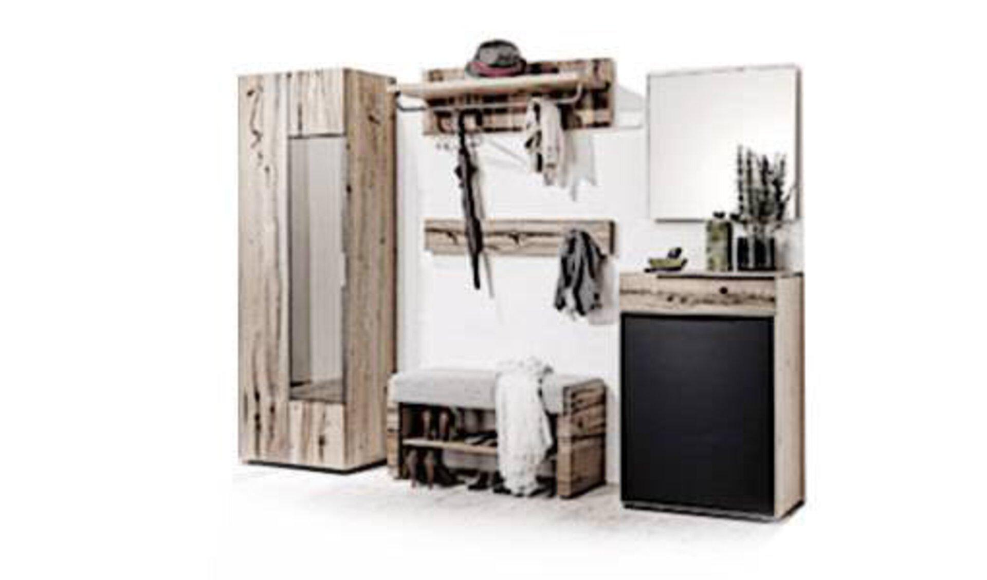 """Stilisierte Garderobe bestehend aus Hochschrank, Schuhschrank, Wandpaneel mit Kleiderhaken, Garderobenspiegel und Bank mit integriertem Schuhregal. Die abgebildete komplette Garderobe steht für alle Möbel innerhalb der Produktwelt """"Flur und Garderobe""""."""