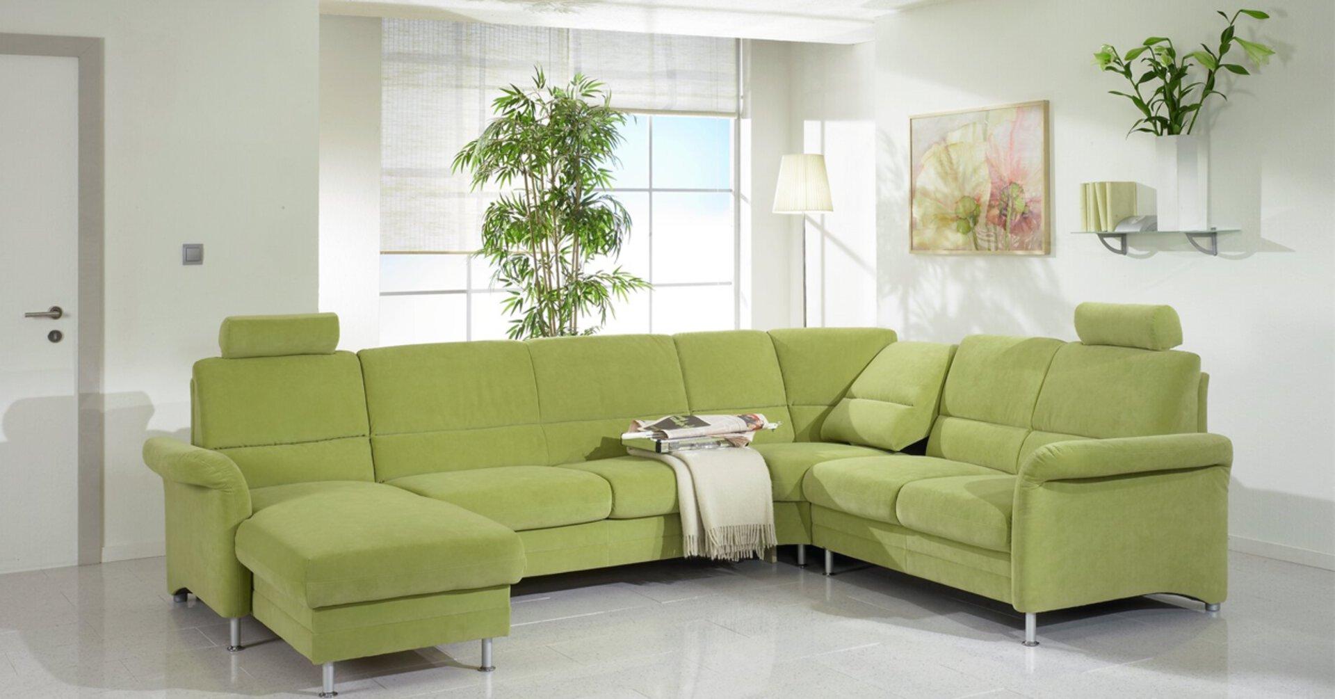 """hellgrüne Wohnlandschaft als Beispielbild für """"Green Paradies"""""""
