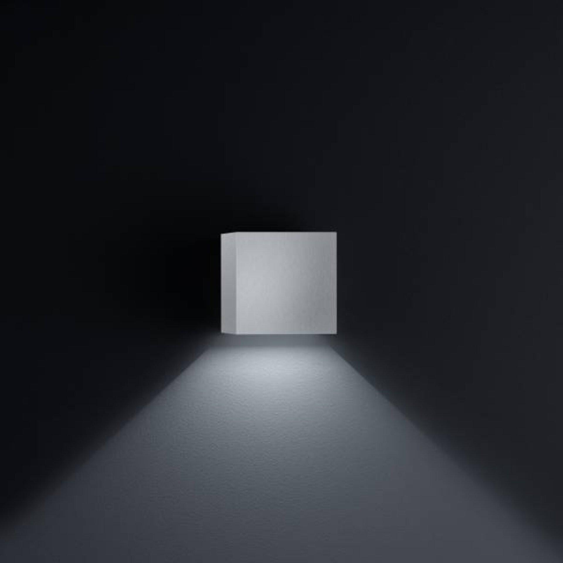 Wand-Aussenleuchte SIRI 44 Helestra Leuchten Metall silber 10 x 10 x 10 cm